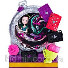 Лялька Ever After High Рейвен Куін (Raven Queen) з серії Way Too Wonderland Школа Довго і Щасливо