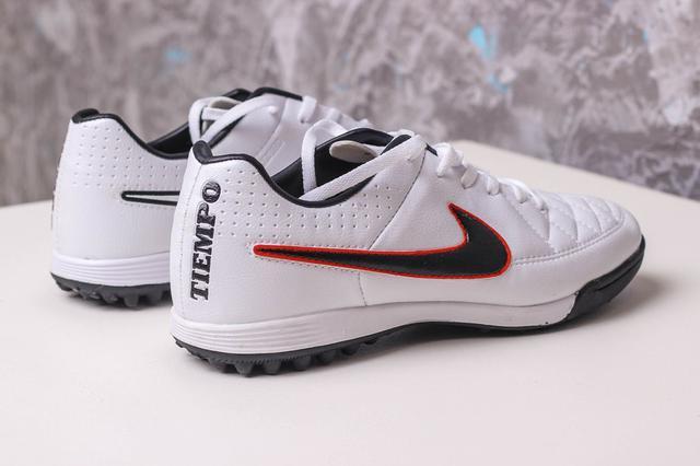 Футбольные сороконожки Nike Tiempo Genio TF White/Black/Crimson
