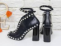 Черные Кожаные туфли с жемчугом с открытым носком, с ремешком на толстом каблуке ИТАЛИЯ