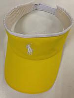 Жёлтый козырек с спортивным логотипом