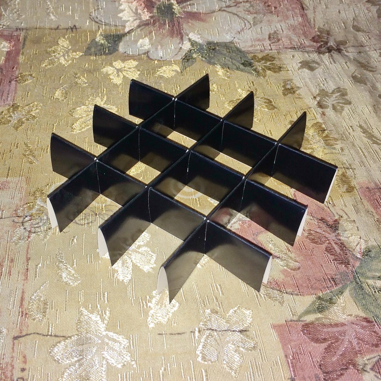 Перегородка для конфет / 150х150х30 мм / 16 ячеек / Маленьк / печать-Черн