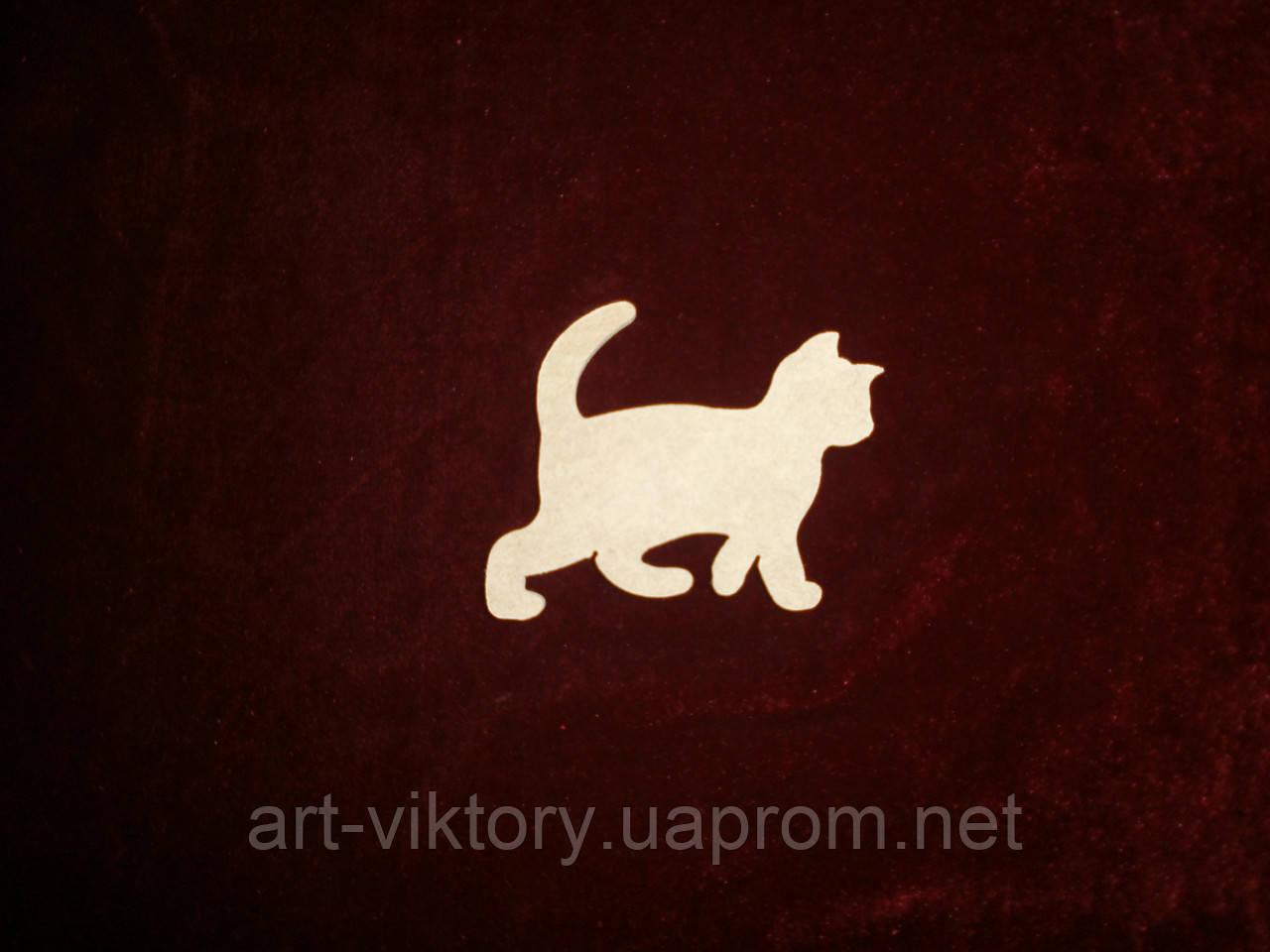 Котенок (9 х 8 см), декор