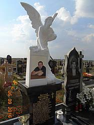 Памятник ангел с голубем №1