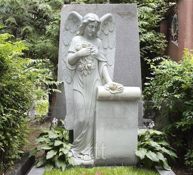 Памятник с ангелом из мрамора № 6