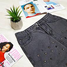 Джинсовая юбка чёрная с колючими заклёпками - 539-6005, фото 3