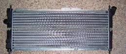 Радиатор охлаждения Opel Tigra 1993-2000 (1.4-1.6 16V механика) 680*278мм по сотах KEMP