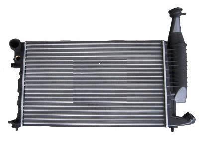 Радиатор охлаждения Citroen Berlingo 1996- (1.4-1.8i) 610*378мм по сотах KEMP