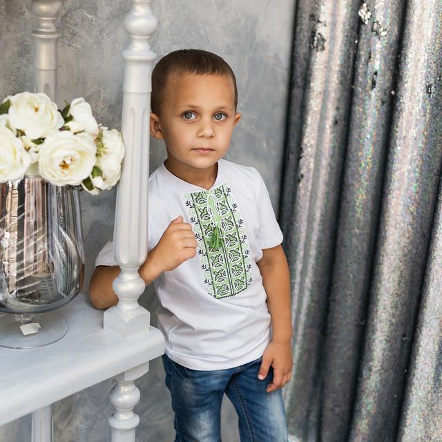 Трикотажная футболка вышиванка для мальчика
