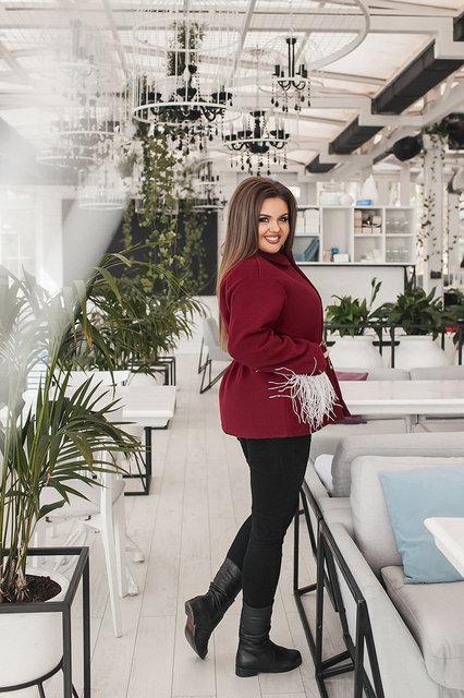 Кашемировое пальто больших размеров 48+ свободного кроя украшено перьями на карманах / 3 цвета арт 6309-8