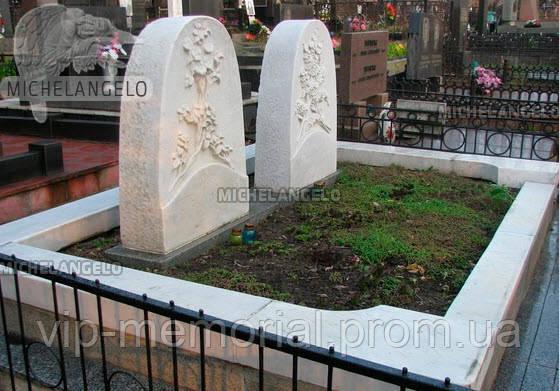 Мраморный памятник М-524