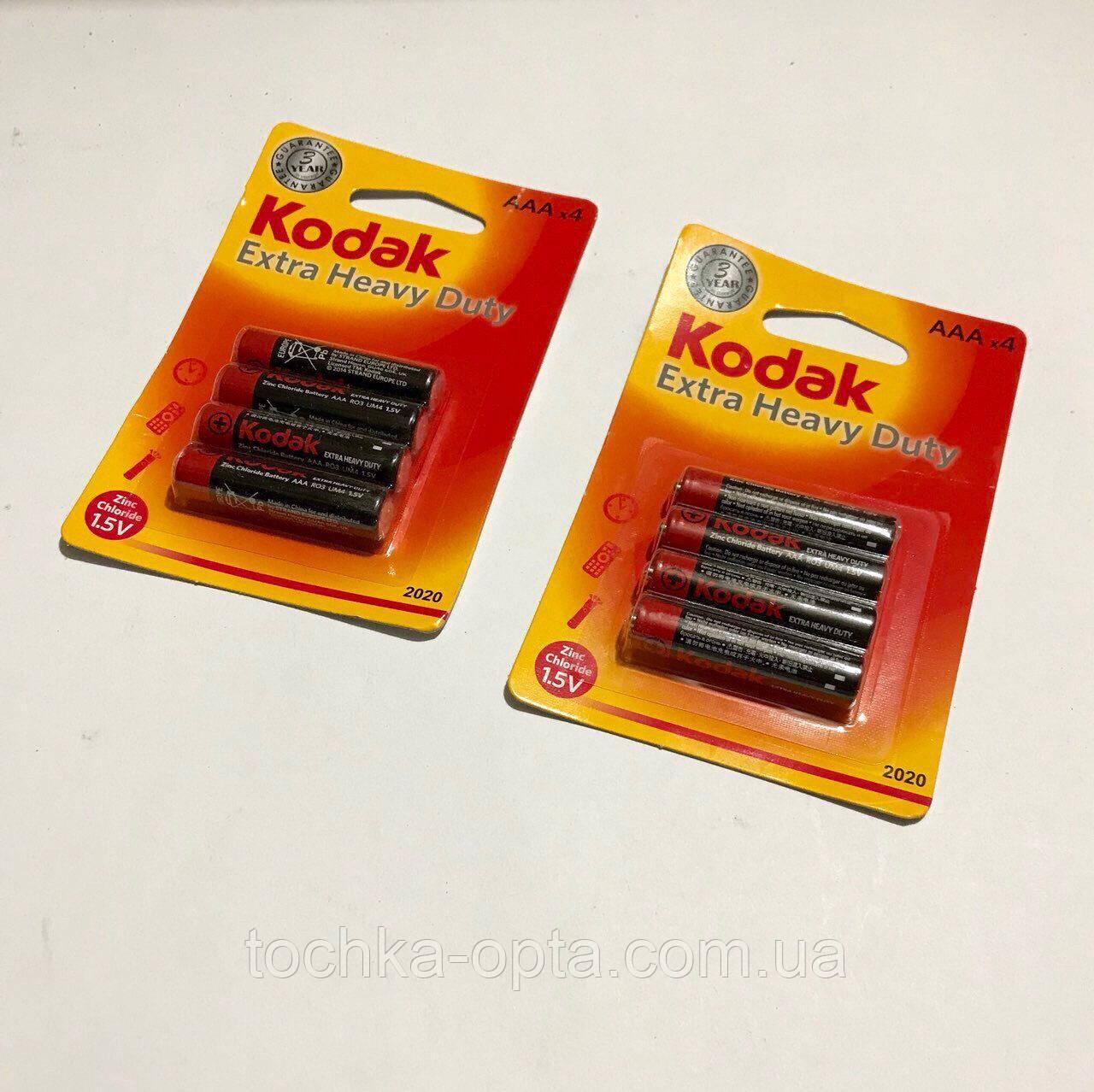 Батарейки пальчиковые Kodak R06 на планшете