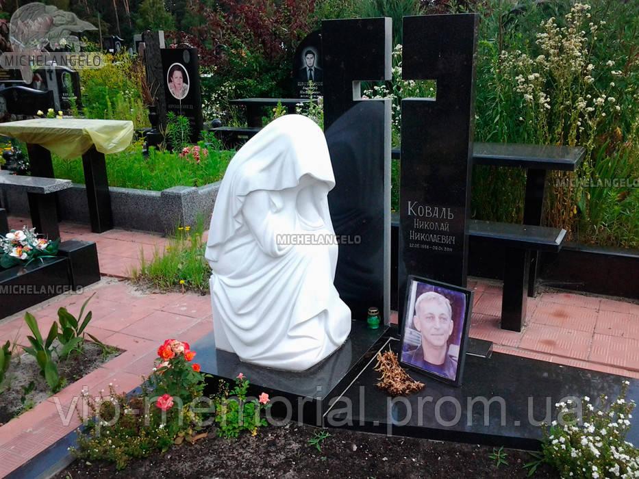 Мраморный памятник М-517
