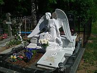 Мраморное надгробие  с ангелом №12