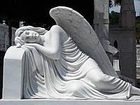 Скорбящий ангел из мрамора  №13