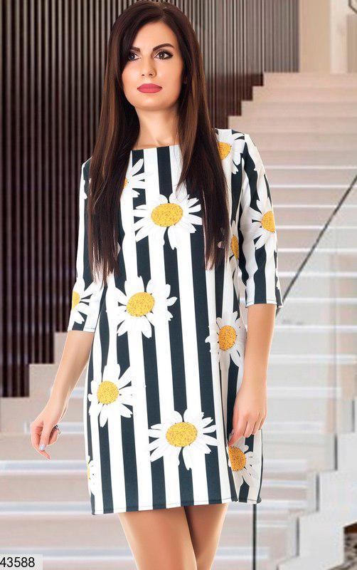 Стильное платье мини прямое рукав три четверти с ромашками черное