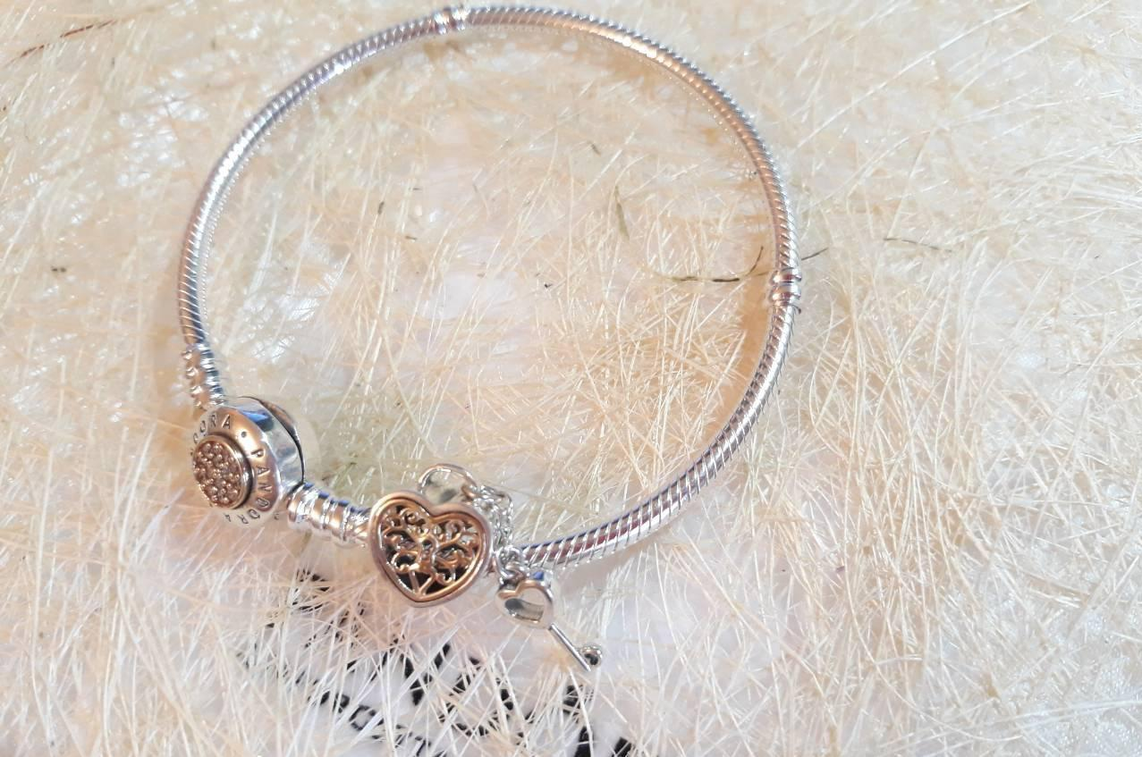 Подвеска шарм серебряно - золотая Ключ к сердцу