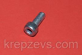 Винт М5 DIN 912 прочностью 8.8