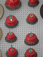 Щетка по металлу конусная Ø 115 мм для болгарки из рифленой проволоки