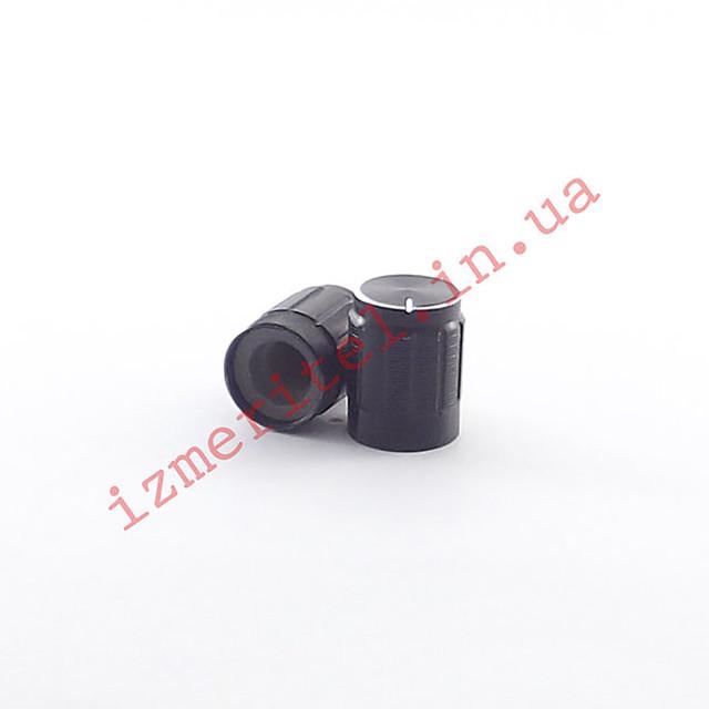 Ручка переменного резистора на ось 6 мм (черная)