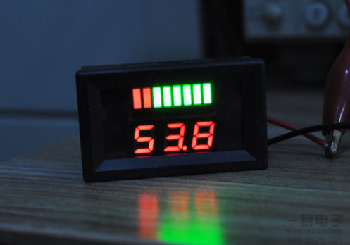Индикатор уровня заряда с вольтметром, 12В