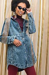 Крутая женская джинсовая удлинённая на пуговицах с капюшоном