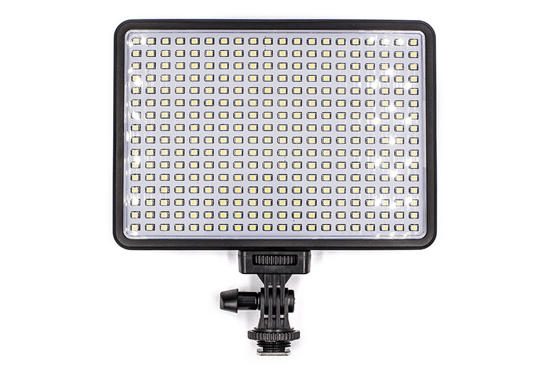 Накамерне світло PowerPlant LED 320l