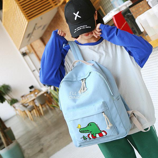Школьный рюкзак Крокодил с набором аксессуаров