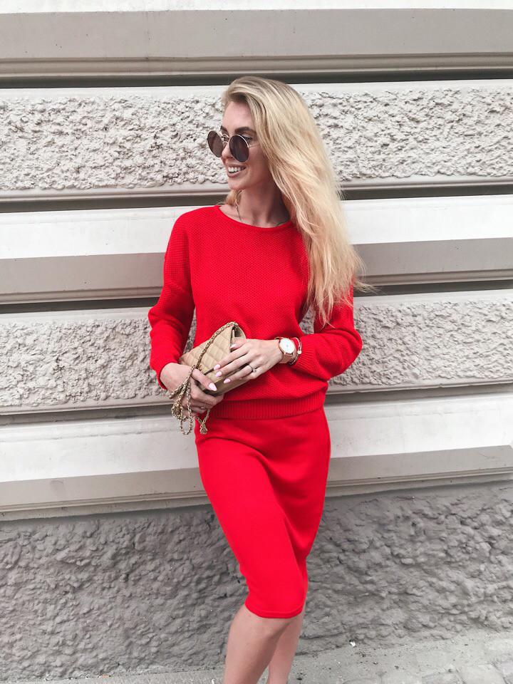 42a2859e3c7 Вязаная костюм женская с юбкой и кофтой, красный 42 — купить ...