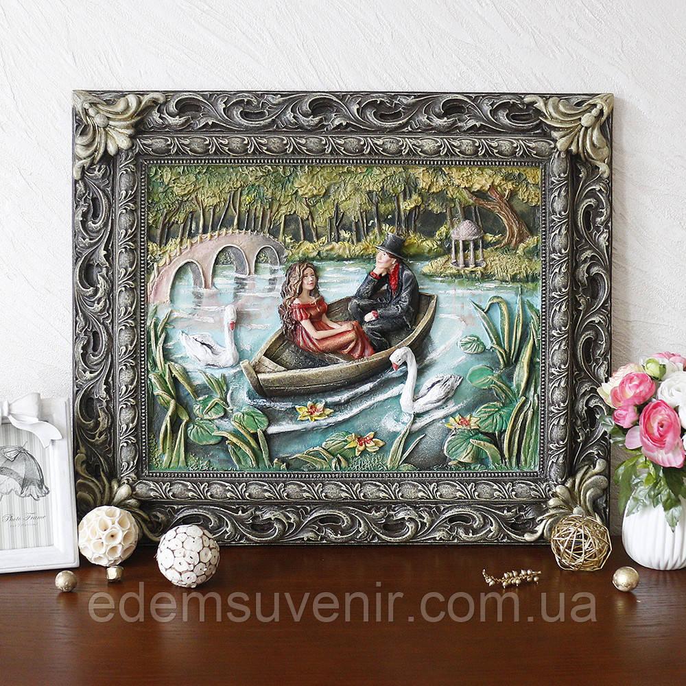 Панно Пара влюбленных в лодке цветное
