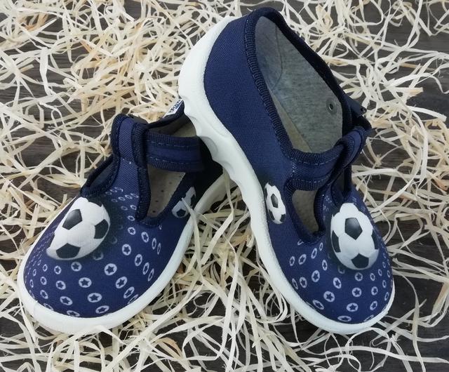 66a5f3c79 Текстильная детская обувь WALDI от украинского производителя - это  современная, модная и удобная обувь для детей, украшенная веселыми принтами  и яркими ...
