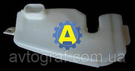 Бачек омывателя на Рено Логан (Renault Logan) 2009-2013