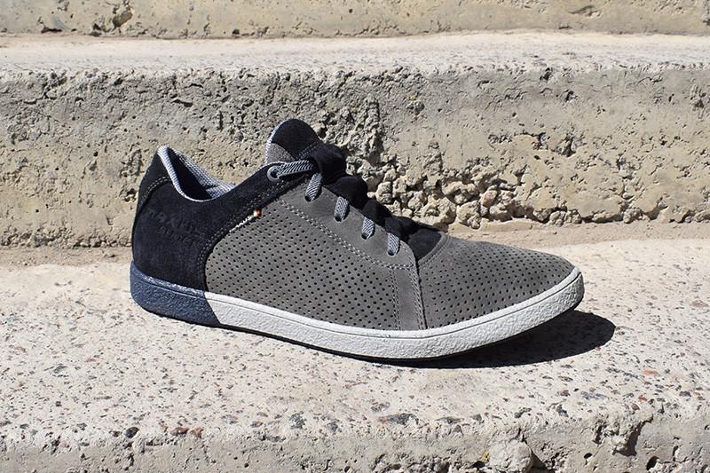 Літні кросівки Maxus, натуральні матеріали, купи чоловічі кросівки зараз! Остання пара 44 розмір!
