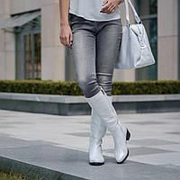 Белые кожаные женские сапоги на среднем каблуке. Зима fe88c61849be5