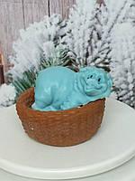 Хрюша в корзинке, мыло ручной работы, голубой цвет