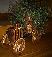 Сувенир из дерева и лозы ручной работы
