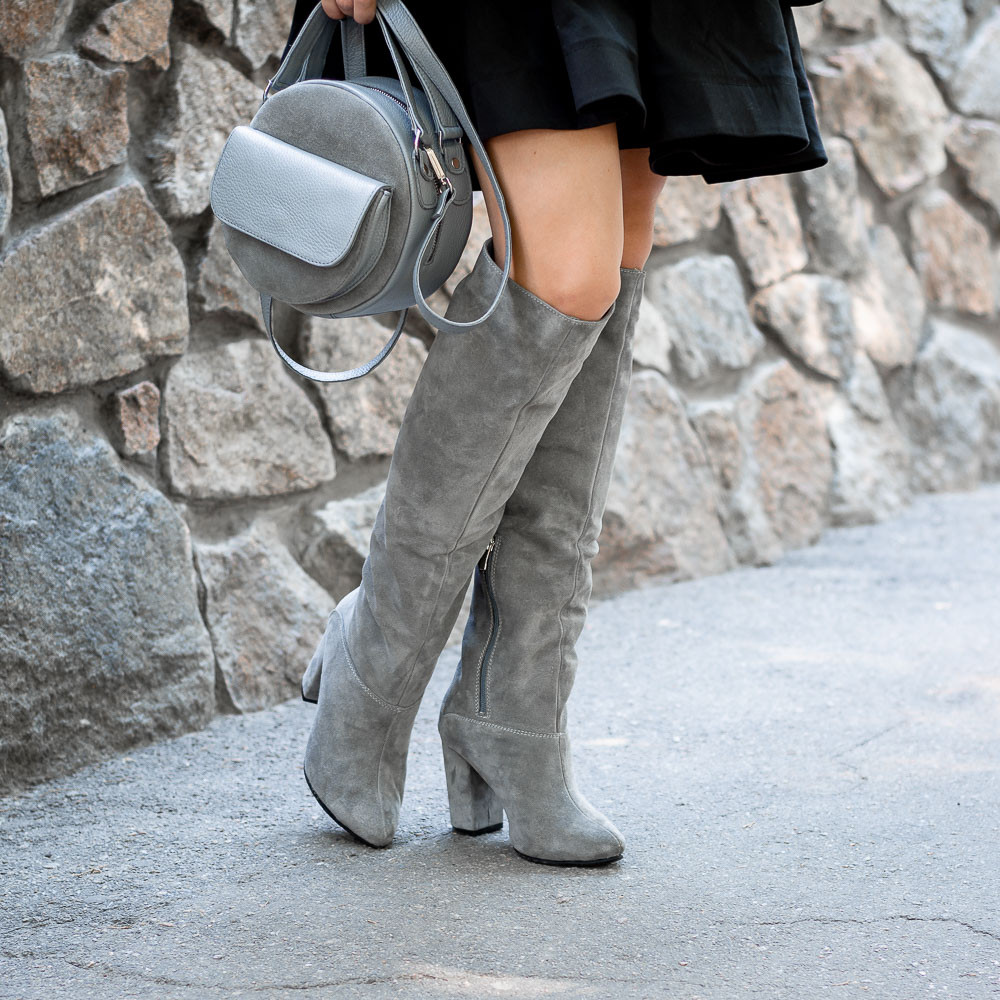 Женские серые высокие замшевые сапоги на каблуке.Пошив на любую ногу. Цвет кожи/замши на выбор.