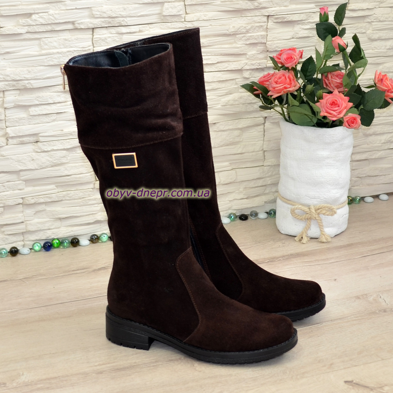 Сапоги коричневые замшевые женские демисезонные на невысоком каблуке