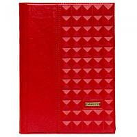 Ежедневник формата А5 в кожаной обложке красного цвета