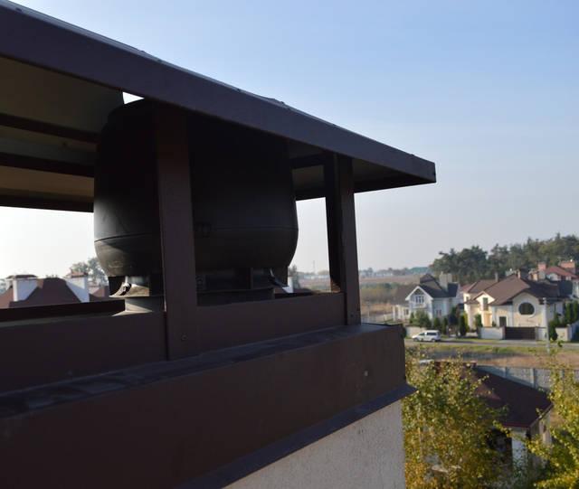 ВЕНТИЛЯТОР защищает вентиляционную систему от попадания атмосферных осадков и грязи, направляет воздушные потоки, создает тягу и уменьшает сопротивление воздуха.