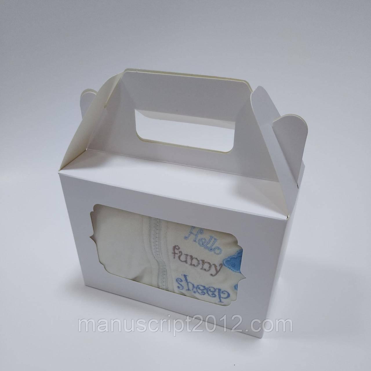 Коробка для подарков с фигурным окном белая 190х130х90 мм.