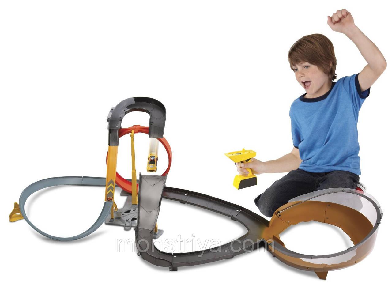 Хот Вілс гоночний Трек Hot Wheels парк з машинкою і пультом управління