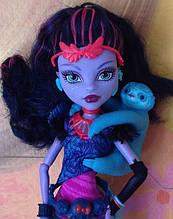 Кукла Monster High Джейн Булитл (Jane Boolittle) с ленивцем базовая Монстер Хай Школа монстров