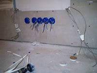 Установка светильников Киев (096)906-02-24 Вызвать электрика в Киеве