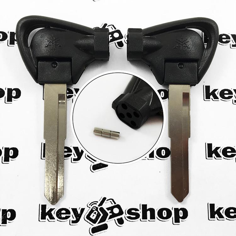 Ключ с магнитами для мотоцикла Yamaha (Ямаха) лезвие левое с упороми, тип 1
