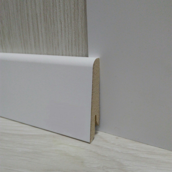 Плинтус белый напольный МДФ 17,4х58х2400мм, ламинированный