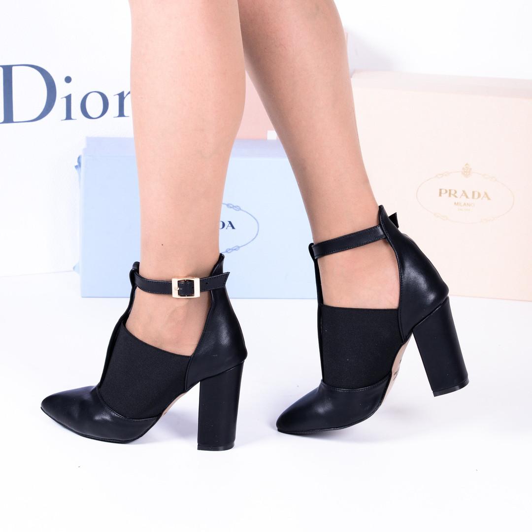 Туфли - ботильны на резинке узкий носок черные