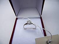 Женское кольцо с белого золота с цирконом 585 пробы. Размер 17