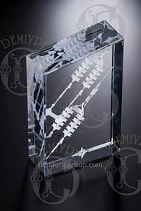 Сувенир из стекла с многоуровневой гравировкой