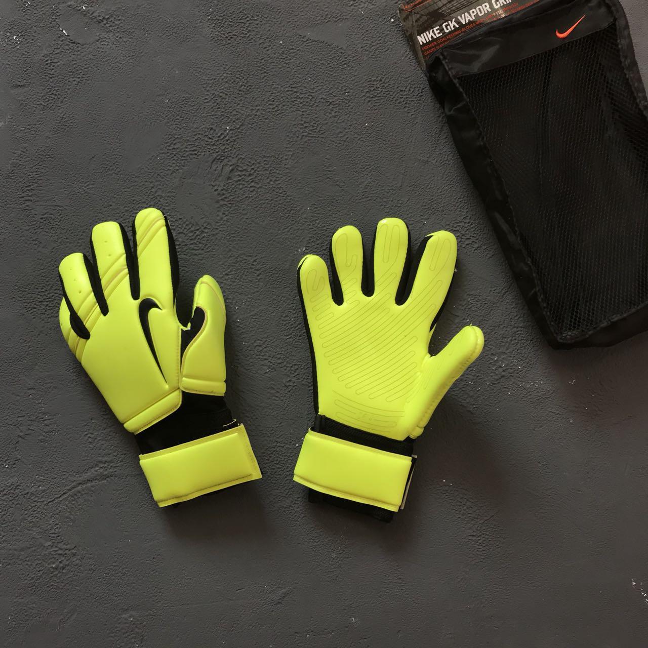 0403da99 Вратарские перчатки Nike Gk Premier - Sport Exclusive магазин футбольной  экипировки в Киеве