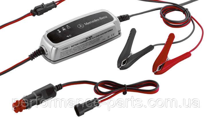 Зарядний пристрій для акумулятора Mercedes Charger ECE version, 5 Ампер A0009823021